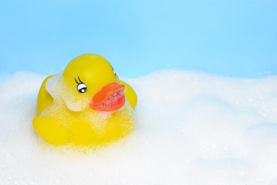 アヒルさん入浴中